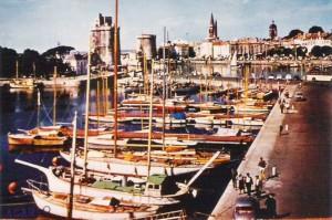 La Rochelle, vieux port 1960,Lanturu est le 2è bateau reconnaissable à sa guibure