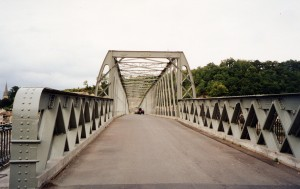 Pont de Langoiran. P 8.